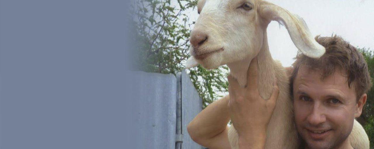 AE 534 – Interview: Gary the Goat, Rude Comedy & How to Swear Like an Aussie with Jimbo Bazoobi